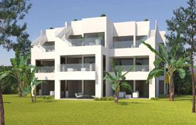 Apartments with pools by the sea for sale in Pilar de la Horadada. Top floor apartment with solarium in Lo Romero Golf