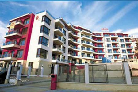 Apartments with pools for sale in Dobrich Region. Apartment - Kavarna, Dobrich Region, Bulgaria