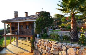 Bank repossessions property in Spain. Rustic isolated one-family estate in Sant Pol de Mar, between Canet of Sea and Sant Pol