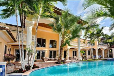 6 bedroom houses for sale in North America. Villa in Fort Lauderdale, Florida, USA