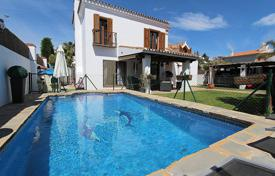 Villa within walking distance to the beach, in San Pedro de Alcantara for 3,500 € per week