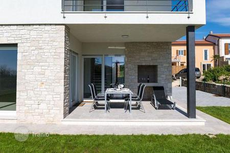 3 bedroom houses for sale in Croatia. Luxury villa with pool in Novigrad
