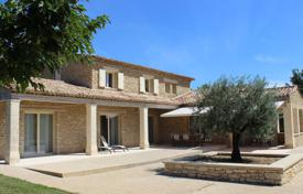 Residential for sale in Cabrières-d'Avignon. Close to Gordes — Traditional style house with view