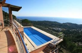 6 bedroom houses by the sea for sale in Spain. Villa – Lloret de Mar, Catalonia, Spain