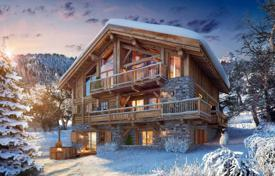 Chalets for sale in France. Modern chalet with a garage, in the ski resort of Meribel, Savoie, France