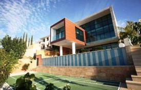 Luxury property for sale in Tala. Superb futuristic villa, 7 Bedrooms, 9 bathrooms