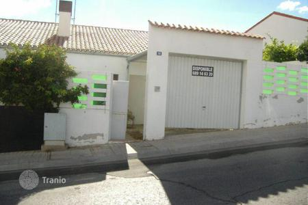 Cheap houses for sale in Ontígola. Villa – Ontígola, Castille La Mancha, Spain