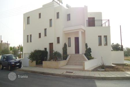 3 bedroom houses for sale in Kissonerga. Three Bedroom Detached House with annex
