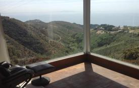 1 bedroom houses for sale in North America. Cottage in Malibu