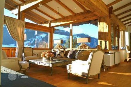 Houses with pools for sale in Austria. Spacious 2-storey villa in a rustic style in Tyrol