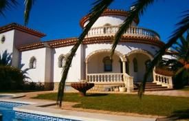 4 bedroom houses by the sea for sale in Costa Dorada. Villa – Costa del Zefir, Catalonia, Spain
