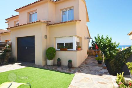 3 bedroom houses for sale in Catalonia. Villa with sea views in Sant Pol de Mar, Spain