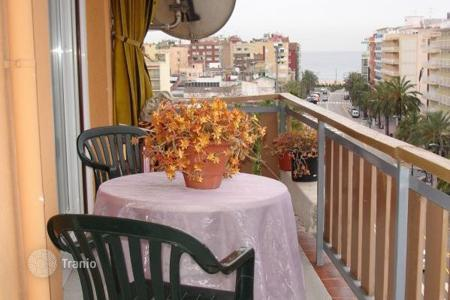 Cheap 3 bedroom apartments for sale in Lloret de Mar. Flat in the center of Lloret de Mar
