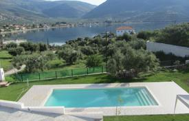 Houses with pools by the sea for sale in Peloponnese. Villa – Diakopto, Administration of the Peloponnese, Western Greece and the Ionian Islands, Greece