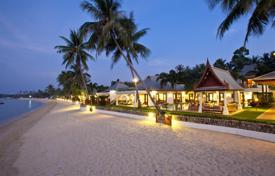 6 bedroom villas and houses by the sea to rent in Thailand. Villa on the beach in Maenam
