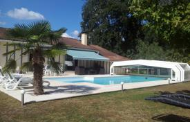 4 bedroom houses for sale in Nouvelle-Aquitaine. Modern villa with a pool, a garden and an additional construction, 10 minutes drive from Mont-de-Marsan, France