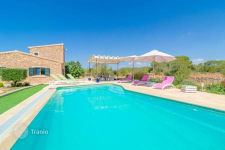 3 bedroom villas and houses to rent in Balearic Islands. Villa – Majorca (Mallorca), Balearic Islands, Spain