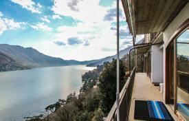 The villa with panoramic views of Lake Como for 500,000 €
