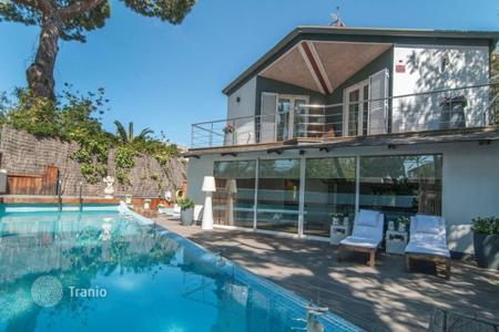 4 bedroom houses for sale in Catalonia. Villa – Castelldefels, Catalonia, Spain