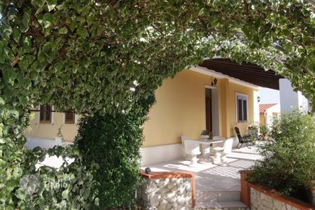 Coastal houses for sale in Sicily. Villa – Sicily, Italy