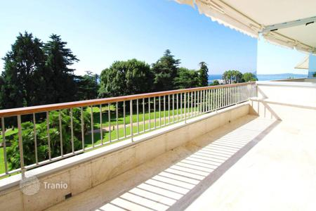 Luxury 2 bedroom apartments for sale in France. Cannes Californie 2 bedroom apartment with very beautiful sea view