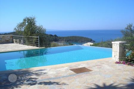 Coastal houses for sale in Administration of Epirus and Western Macedonia. Villa – Administration of Epirus and Western Macedonia, Greece