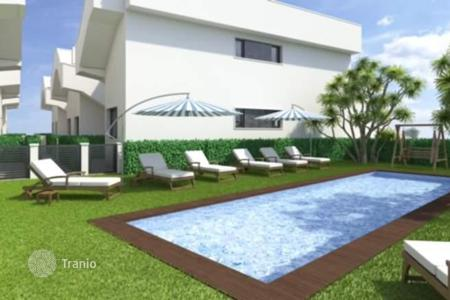 Cheap residential for sale in El Mojón. Contemporary style apartments of 2 bedrooms and 2 bathrooms with communal pool in Lo Pagán