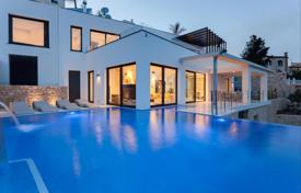 5 bedroom houses for sale in Cumbre. Luxury modern villa with an elevator, a garage, a cinema and a sea views, Cumbre del Sol, Spain