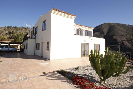 5 bedroom houses for sale in Guia de Isora. Villa – Guia de Isora, Canary Islands, Spain