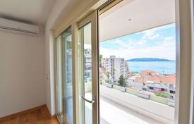 3 bedroom apartments by the sea for sale in Budva. Penthouse with sea view in new building in Rafailovici