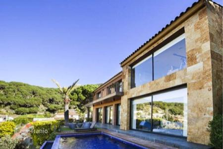 4 bedroom houses for sale in Costa del Maresme. Townhome - Cabrils, Catalonia, Spain