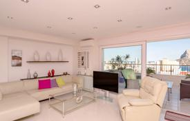 Modern penthouse with panoramic views, terraces and a garage in a residence with communal pools, Calpe, Spain for 653,000 €