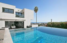 Luxury 4 bedroom houses for sale in Antibes. Antibes — Remarkable contemporary villa
