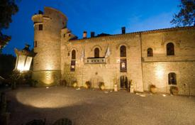 Luxury property for sale in Umbria. Luxury hamlets and castles for sale in Umbria
