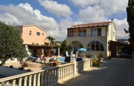 4 bedroom houses by the sea for sale in Paphos (city). 4 Bedroom Spacious Villa in Saint George — Peyia