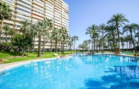 Apartments with pools for sale in Valencia. First line apartment with sea views