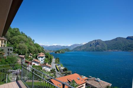 Apartments for sale in Lenno. Top floor apartment in Sala Comacina with panoramic views on Lake Como, Tr 210