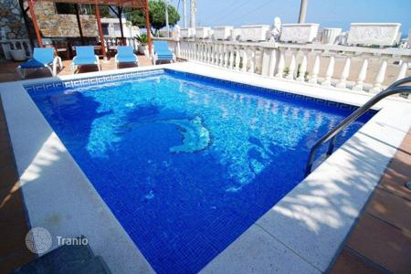 Coastal houses for sale in Santa Susanna. Villa – Santa Susanna, Catalonia, Spain
