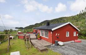 5 bedroom houses for sale in Norway. Spacious cottage on the beach near the town of Kristiansund, Western Norway