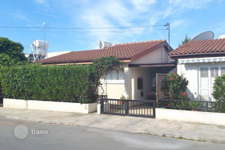 2 bedroom houses by the sea for sale in Cyprus. 2 Bedroom villa for sale in Tombs of the Kings