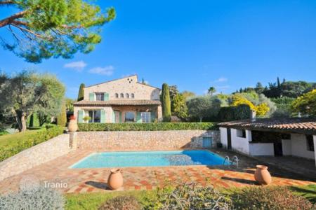 Luxury 5 bedroom houses for sale in Mougins. Villa – Mougins, Côte d'Azur (French Riviera), France