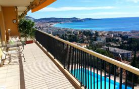 3 bedroom apartments for sale in Nice. Seaview apartment with a terrace, a solarium and a garage in a renowned residence with a pool and a tennis court, west of Nice, France
