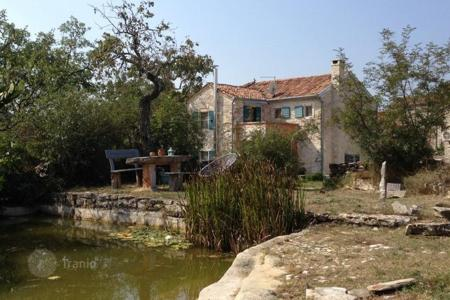 Houses for sale in Buje. Stone house Renovated old istrian house!