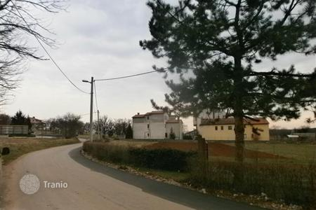 Development land for sale in Marcana. Agricultural land with a part of 2.000 m² in urbanized zone