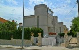 4 bedroom houses by the sea for sale in Costa Dorada. Villa – Cambrils, Catalonia, Spain