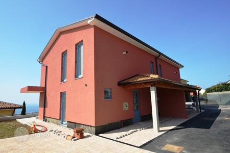 Houses for sale in Izola. Townhome – Izola, Obalno-Cabinet, Slovenia