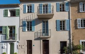 Cheap houses for sale in Mougins. Mougins — Village house