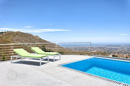 4 bedroom houses for sale in Mijas. TOP! New modern contemporary Villa — Mijas