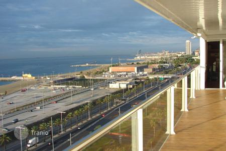 Penthouses for sale in Catalonia. Penthouse overlooking the sea in Diagonal Mar