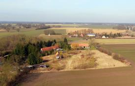 BIG buildable plot with small cottage for renovation. No need to travel to Germany to complete, all paperwork can be sent to you. for 29,600 €